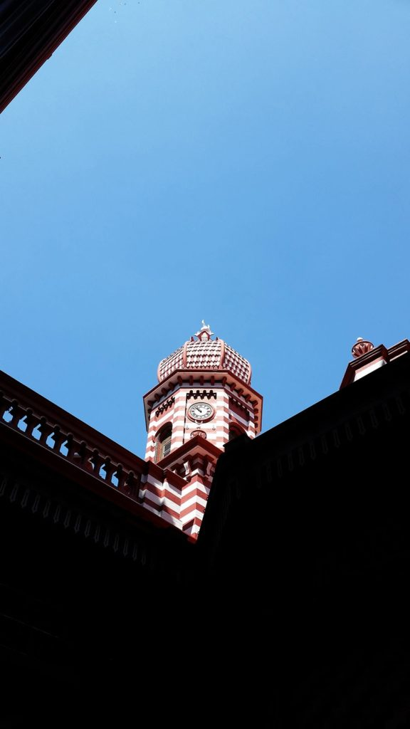 The Red Mosque in Colombo on a Sri Lanka 3 week itinerary