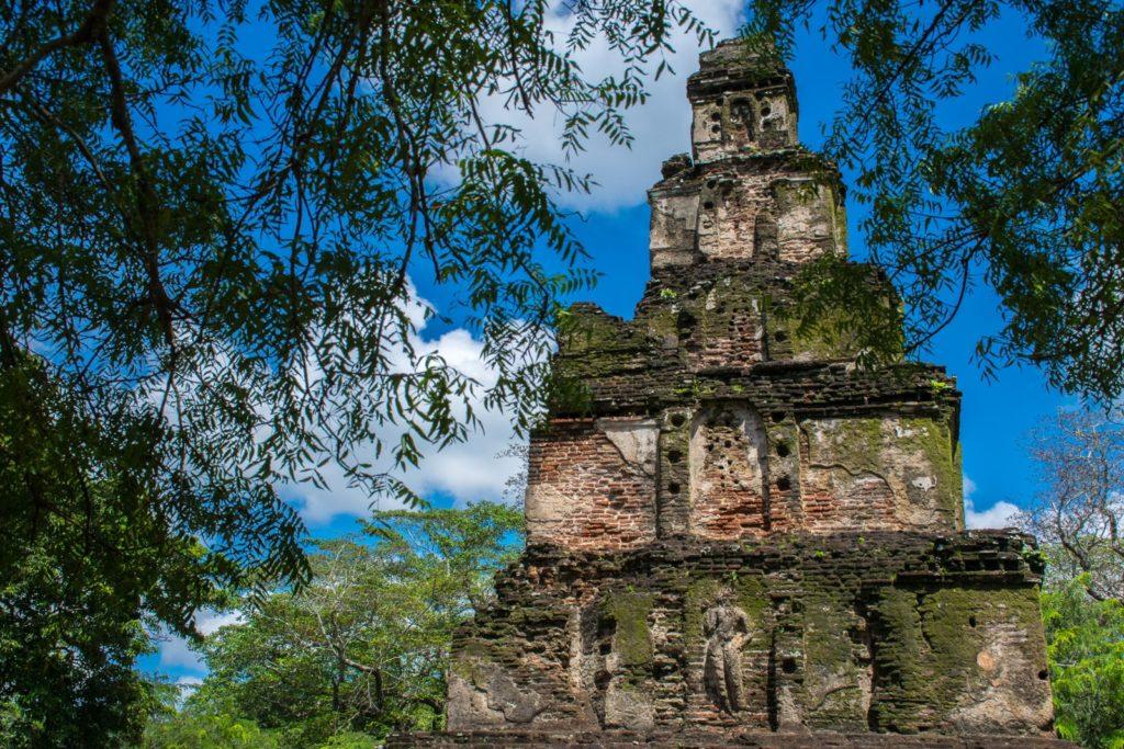 3 week sri lanka itinerary with a stop in Polonnaruwa