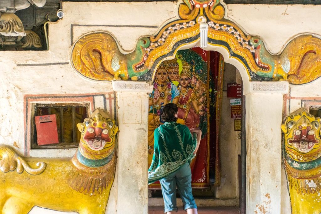 A 3 week sri lanka itinerary includes temples!