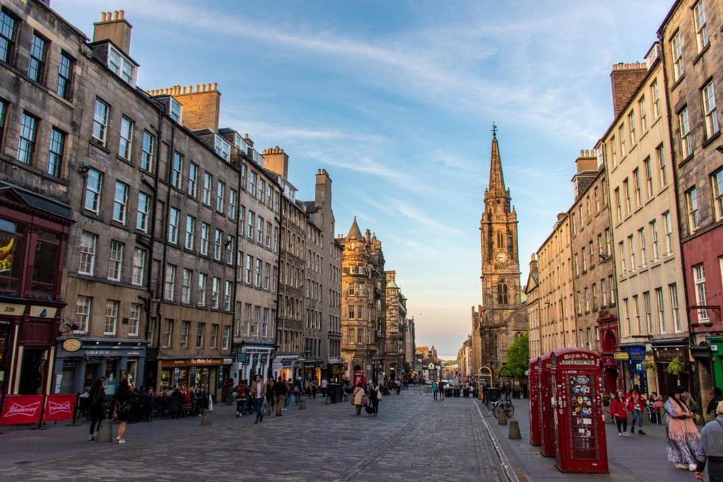 Edinburgh on a 10 Day Scotland Itinerary
