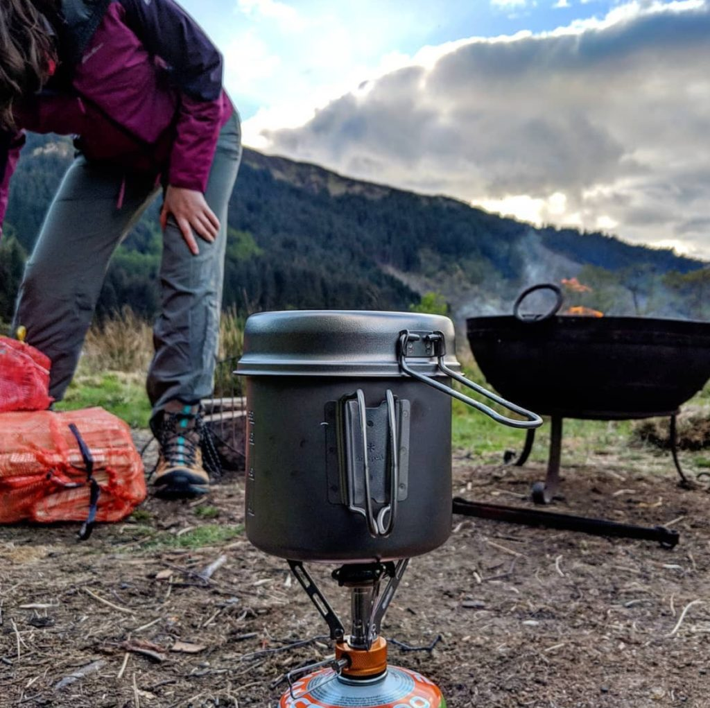 Cooking tools for camping in Scotland
